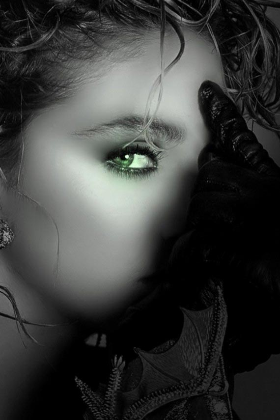 Green Eye Girl Wallpaper