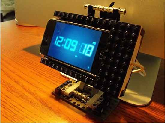 DIY LEGO iPhone Stand