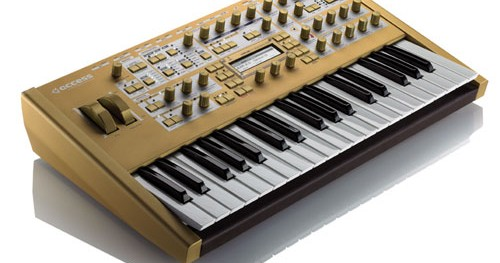 The Awesome DSI Mopho keyboard