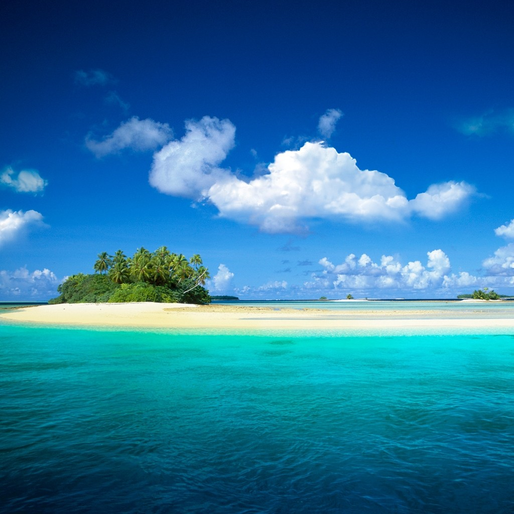 Beach Island: 70 BlackBerry Playbook Wallpapers